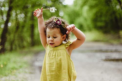 toddler dandelion