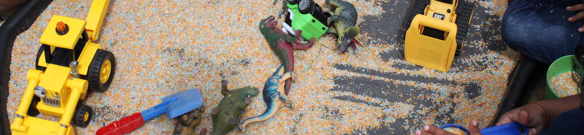 Sand tray and toys